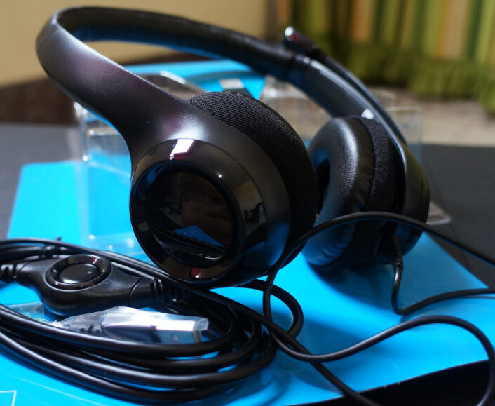 Logitech H390 Noises Cancelling Headset